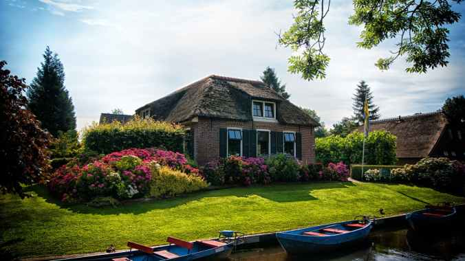 architecture boating canal cottage